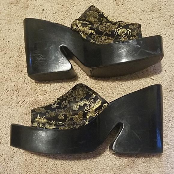 Sbicca Shoes - Funky Sbicca Platform Slides with Dragon Motif